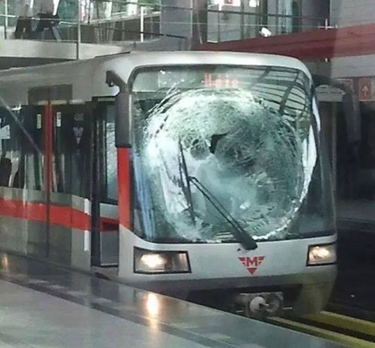 Skok pod metro 2016