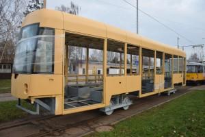 Hrubá stavba tramvaje EVO1. Foto: DPP