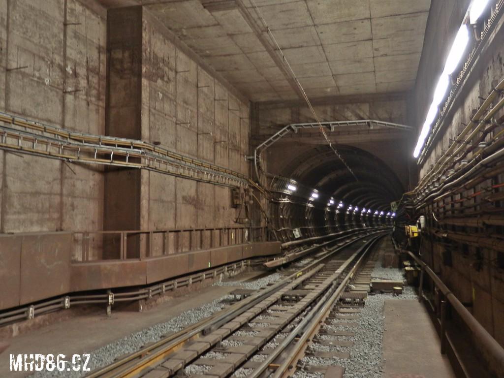 Místo přechodu z hloubeného do raženého tunelu