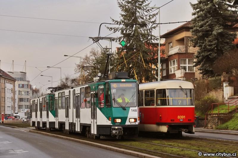 KT4DC ev.č 148 + 248 v ulicích Prahy. Foto: Citybus.cz